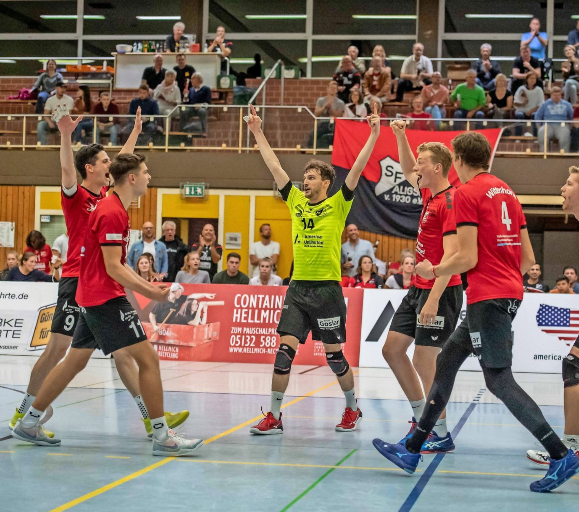 Traum von der Spitze! Aligser Serie hält  –  Volleyball-Männer klettern auf Platz drei. Frauen verlieren.