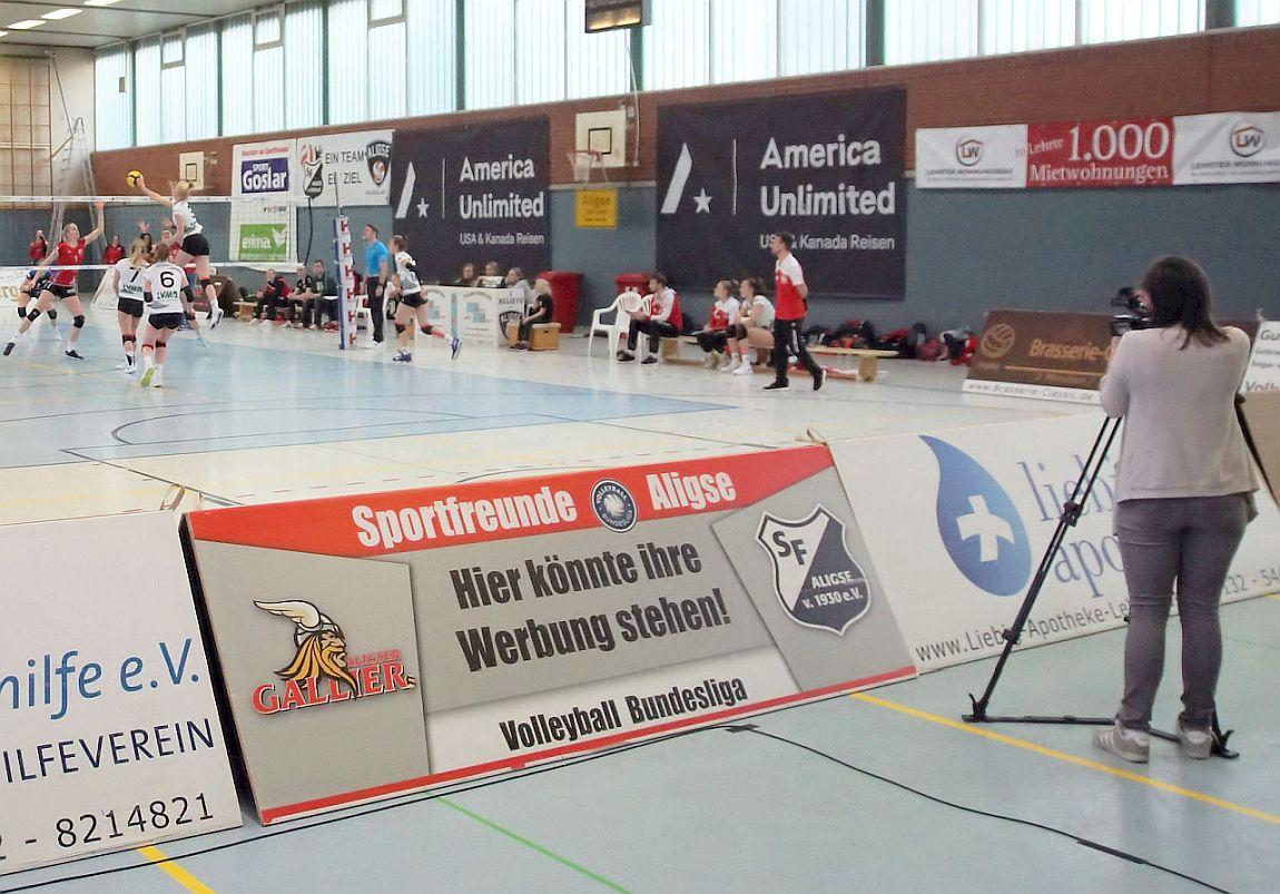 h1 – Fernsehen aus Hannover berichtet am Mittwoch vom Spiel SFA-Frauen vs. VCO Münster – Reportage über Volleyballtraining auf Youtube