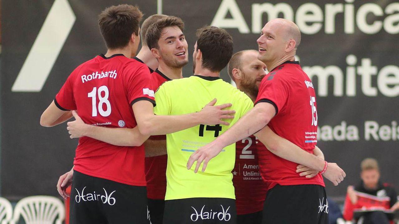 Kein Alkohol ist auch kein Problem – Doppelsieg: Frauen und Männer feiern ungefährdete 3:0-Heimerfolge / LSV-Handballer fiebern mit